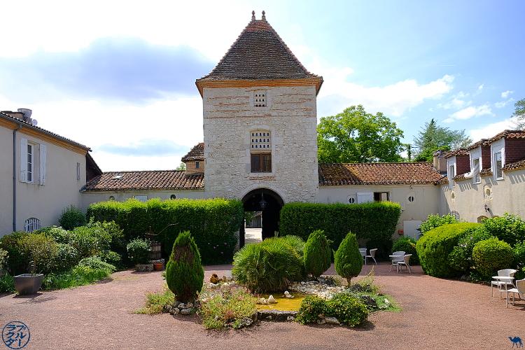 Le Chameau Bleu - Blog Voyage à Vélo Canal de l'Entre Deux Mers - Hotel le Prince Noir à Sérignac sur Garonne - Lot et Garonne France