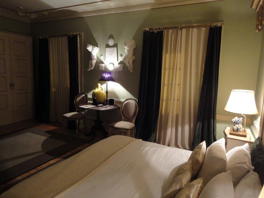I viaggi di raffaella lisbona alberghi e ristoranti - Letto raffaella ...