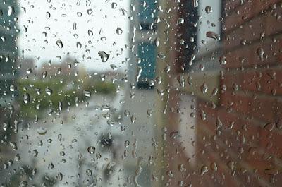 難得的下雨天