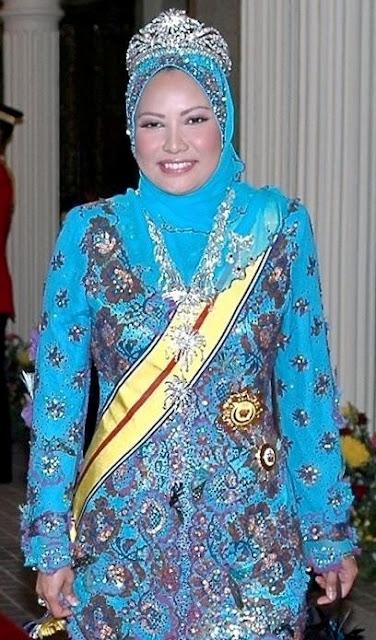Sultanah Nur Zahirah foto wanita muslimah terkaya di dunia