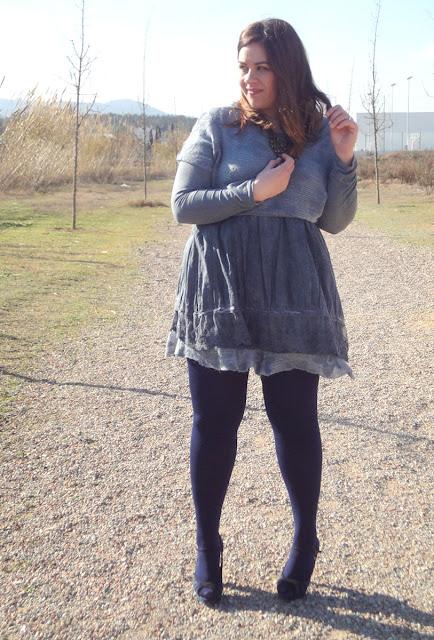 La misma culona entallada en vestido gris - 3 part 5