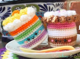 http://amigurumifood.blogspot.com.es/2014/04/rainbow-neapolitan-cake-free-pattern.html