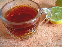 tasse de grog avec citron