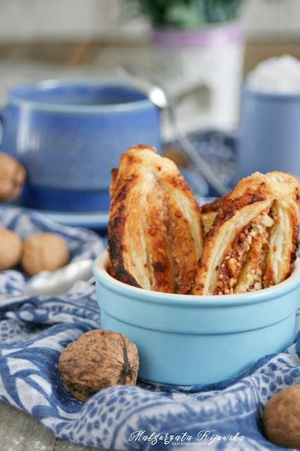 francskie ciasto, orzechowe ciastka, domowe wypieki, ciasteczka z orzechami i miodem, daylicooking