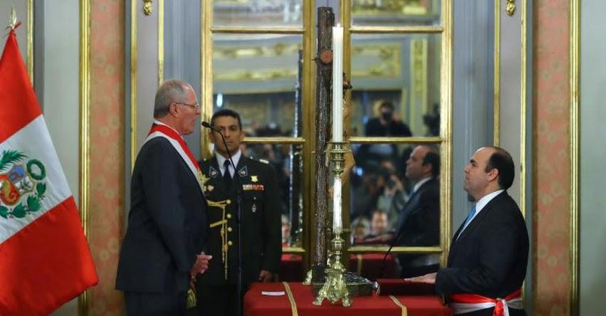 Fernando Zavala Lombardi juramentó como Ministro de Economía y Finanzas - MEF - www.mef.gob.pe