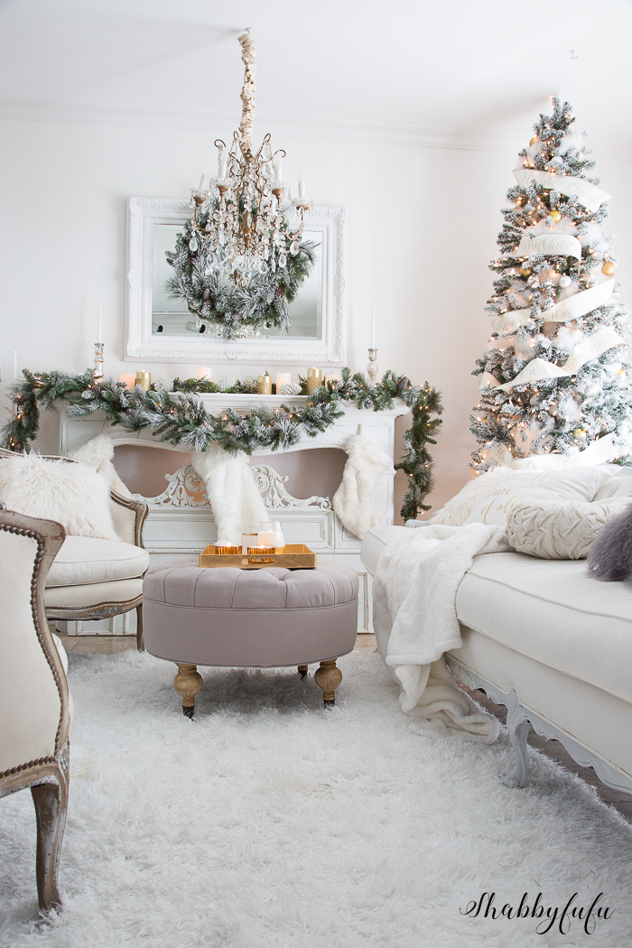Elegant and simple christmas living room in white shabbyfufu for Christmas decor ideas for living room
