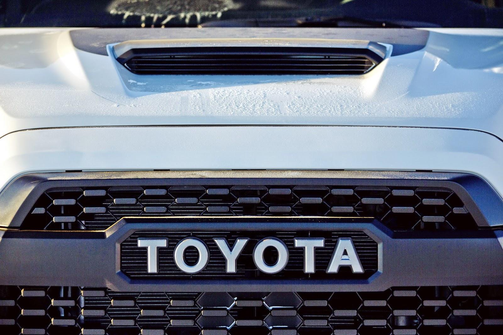 2017 Toyota Tacoma TRD Pro Is Like A Japanese Raptor ...