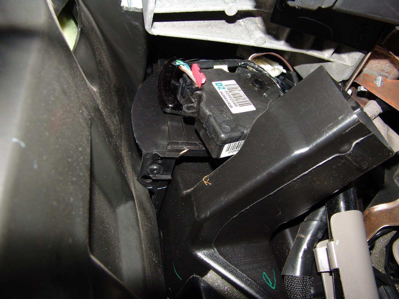 Replacing Blend Door Actuator On 2003 Ford Expeditionhtml