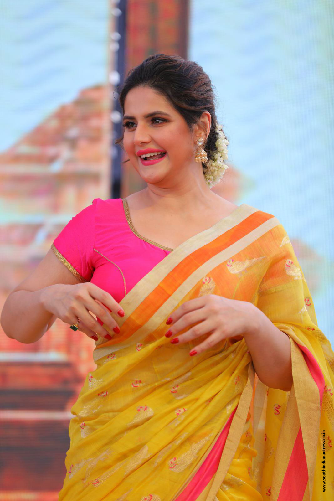 Zarine Khan At Suchirindias Aryavartha Nagari Project -8269