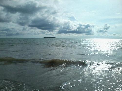 Pantai Gandoriah Pariaman Sumatera Barat