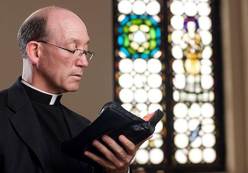 Sacerdote Y Religioso No Son Sinónimos