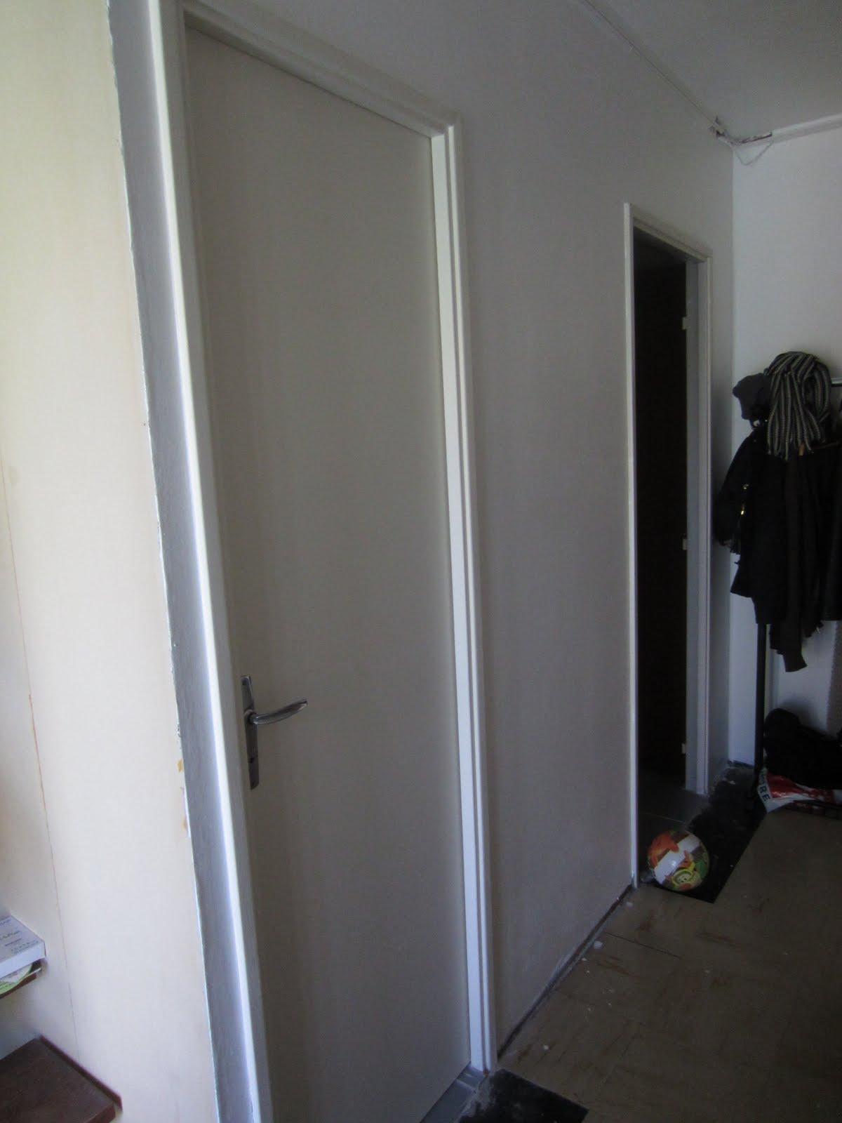 notre r novation les wc ont une porte. Black Bedroom Furniture Sets. Home Design Ideas