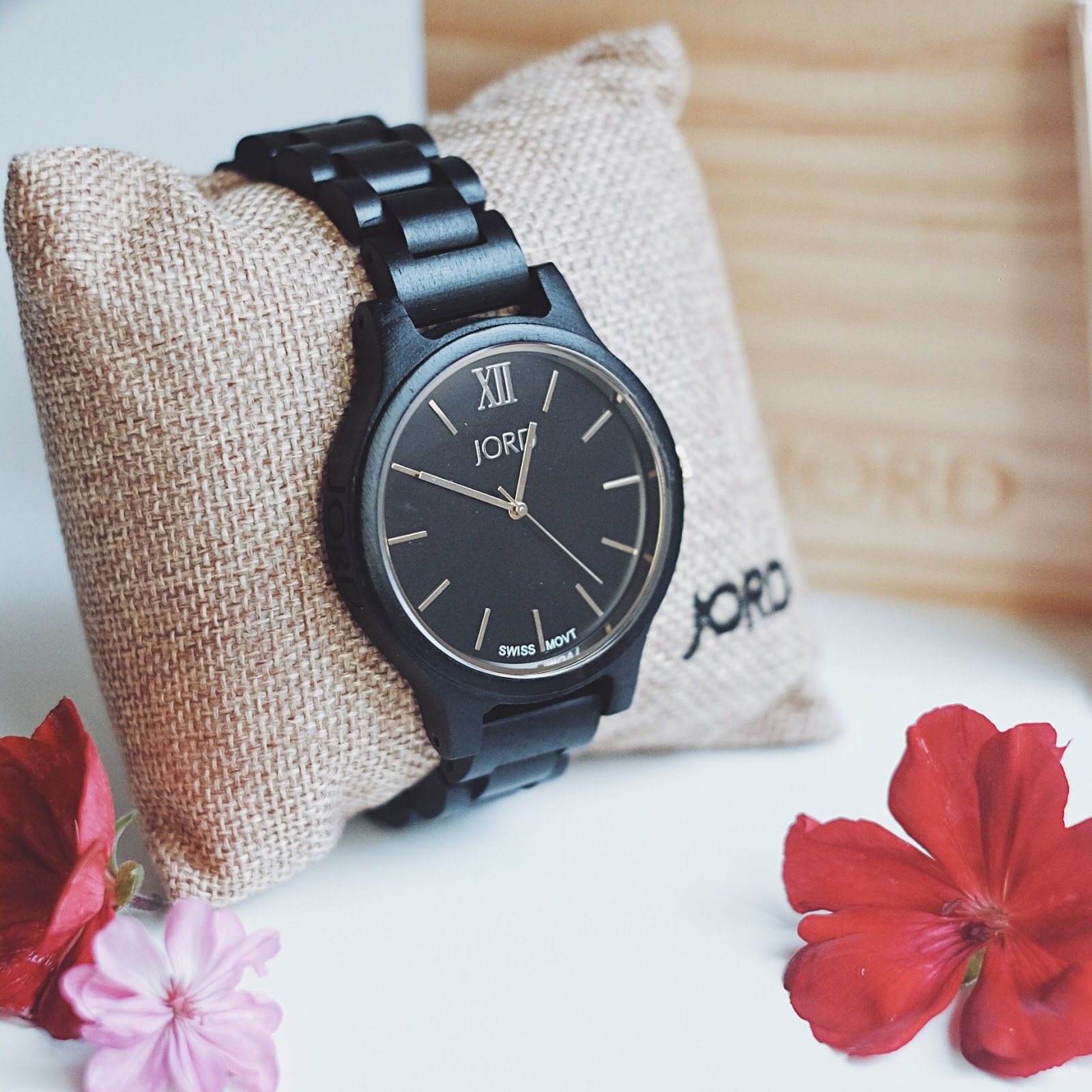 JORD Wood Watch FRANKIE series in Ebony & Gold