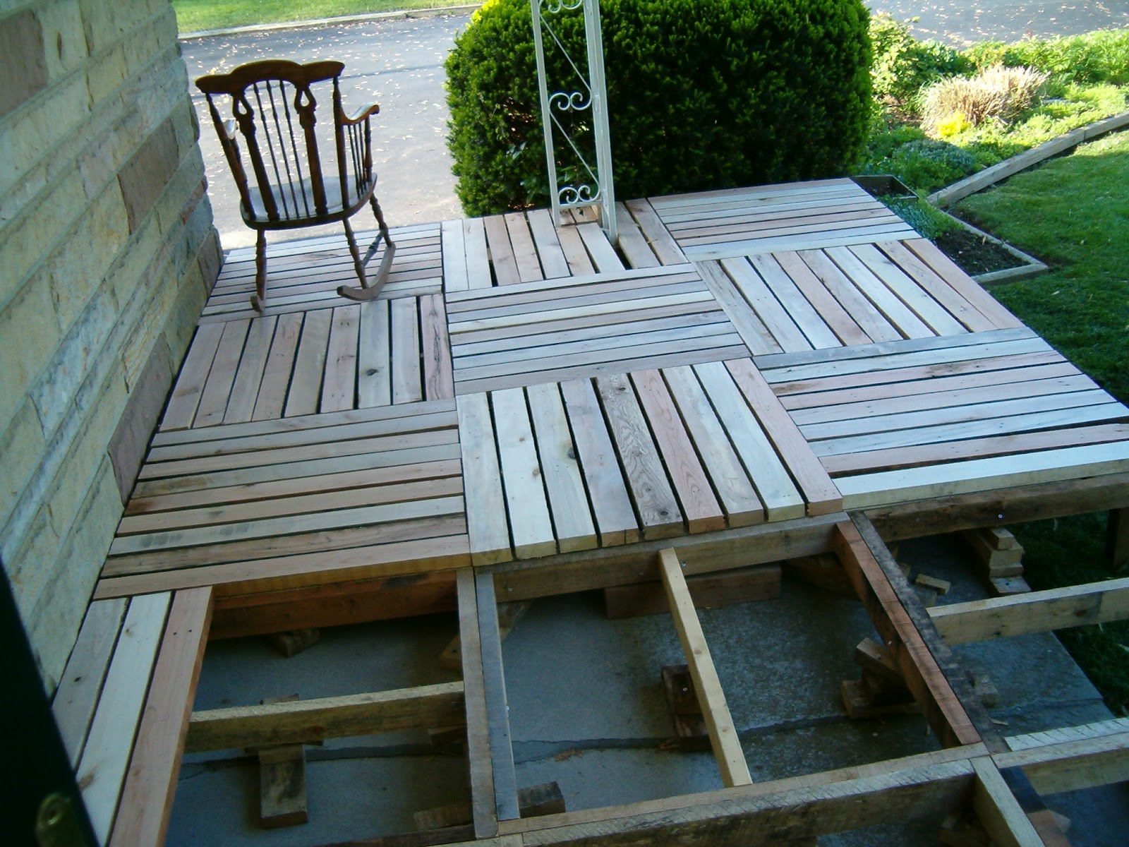 Olx Divani Divani Redo Redux Revisiting Past Projects Pallet Wood Front Porch