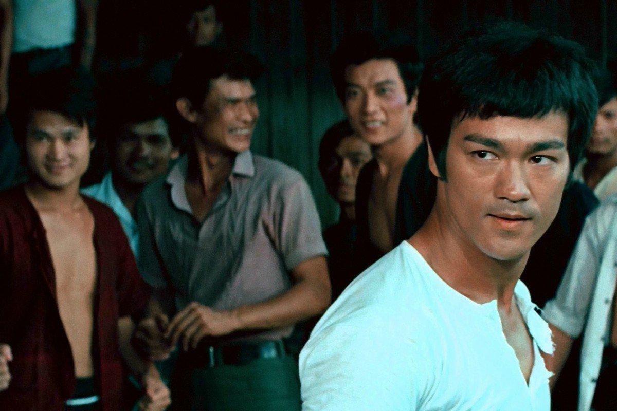 Bruce Lee em uma cena de seu primeiro filme, O Dragão Chinês