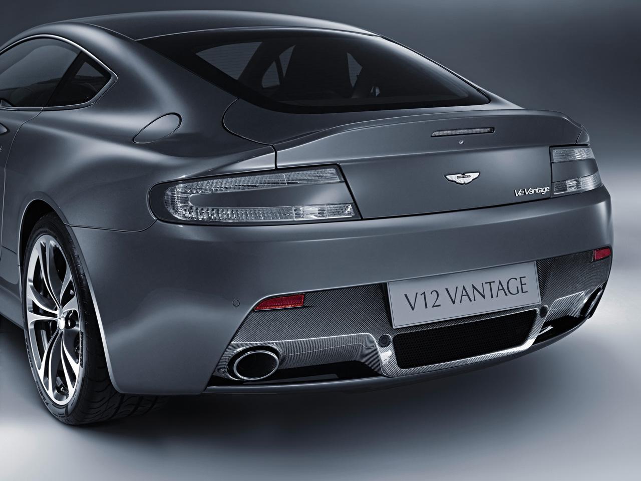 Aston Martin V12 Vanquish Top Speed