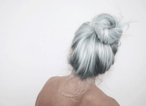 Ragazza capelli grigi tumblr – Tagli per capelli corti 58c34037ffed