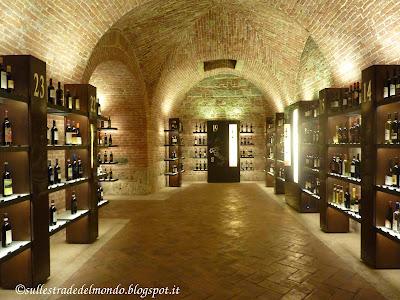 Cosa vedere in provincia di Siena: enoteca italiana