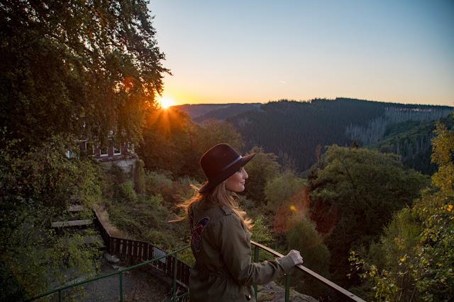 Sonnenaufgang an der Rabenklippe  Luchsgehege und Eckerstausee  Wandern in Bad Harzburg 01