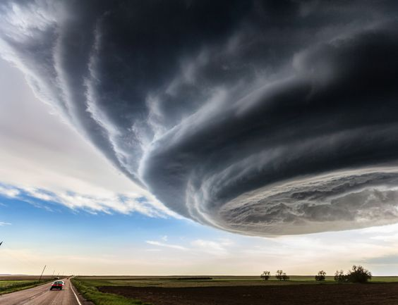 UFOのような雲?空と雲の驚異的な光景。5選【Nature】 スーパーセル