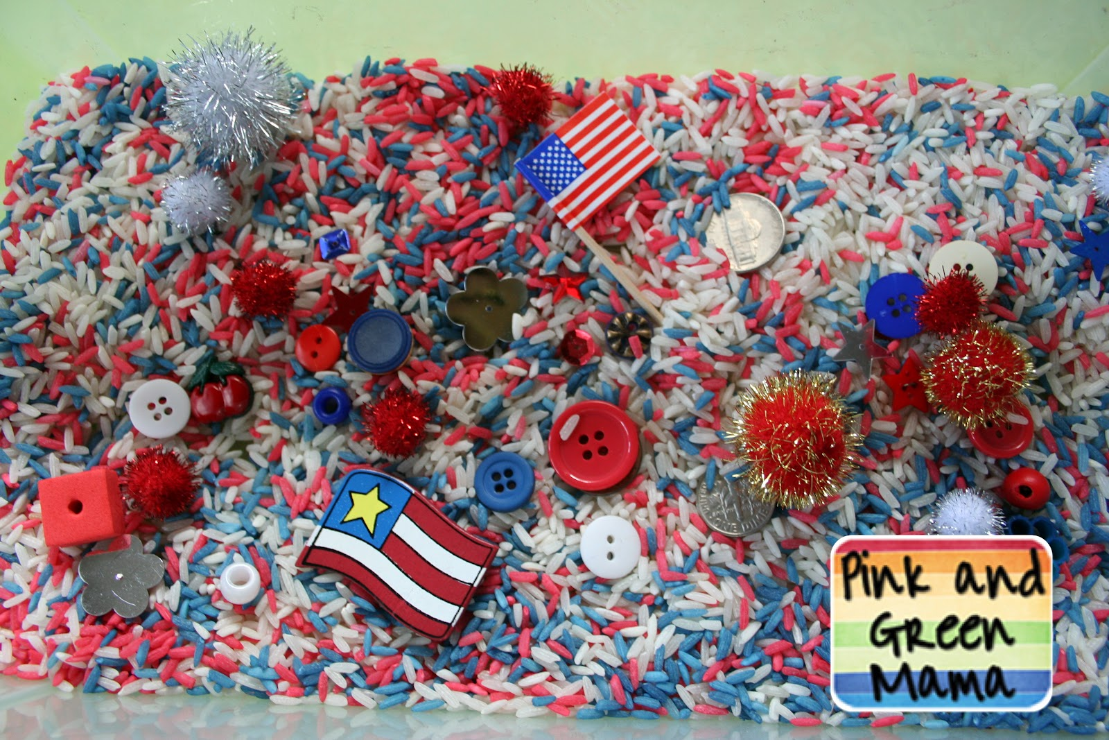 Patriotic Rice Sensory Box (Photo from Pink and Green Mama)