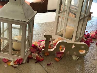 LOVE, Berghochzeit am Riessersee in Garmisch-Partenkirchen, Bayern, Hochzeitshotel, Hochzeitsplanerin Uschi Glas, Apricot, Rosé, Marsalla, Pastelltöne