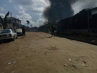 Angry youths burn houses in Rivers State following the assassination of a prominent chief