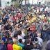 Consumidores protestam contra aumento na conta de energia e fecham avenida em RO