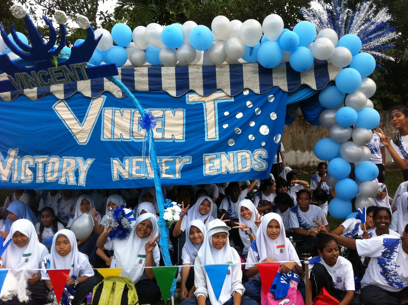 But Vincent decoration was the best (according to the judges) Of course I know all other house members will disagree. & Principalu0027s blog SMK Convent Sentul: Sports Day Celebration.