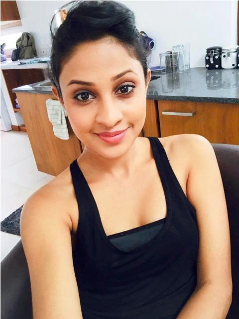 Sachini Ruwanthika office selfie