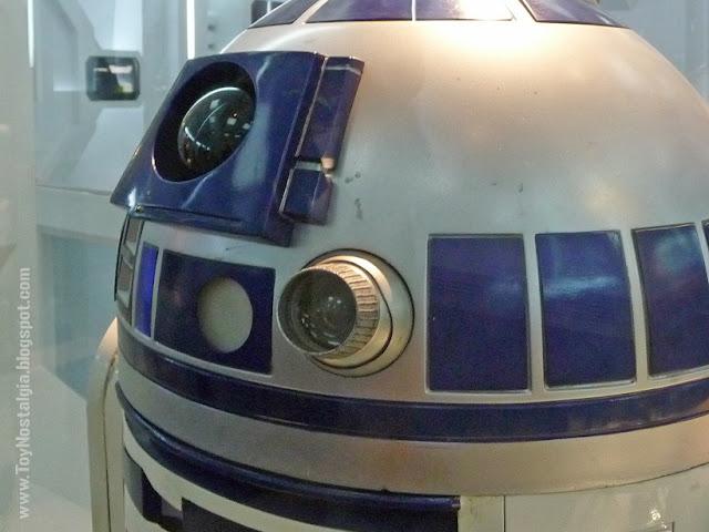"""R2-D2 (Artoo Deetoo) """"Episodio IV - Una Nueva Esperanza""""  (STAR WARS - The Exhibition)"""