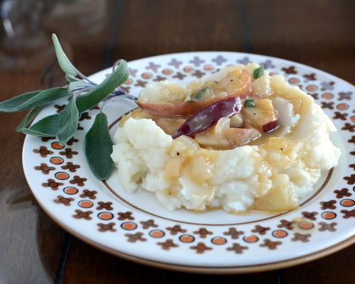 Mashed Potatoes with Vegetarian Apple Cider Ginger Sage Gravy ♥ A Veggie Venture, easy enough for weeknight suppers, special enough for a vegetarian Thanksgiving.