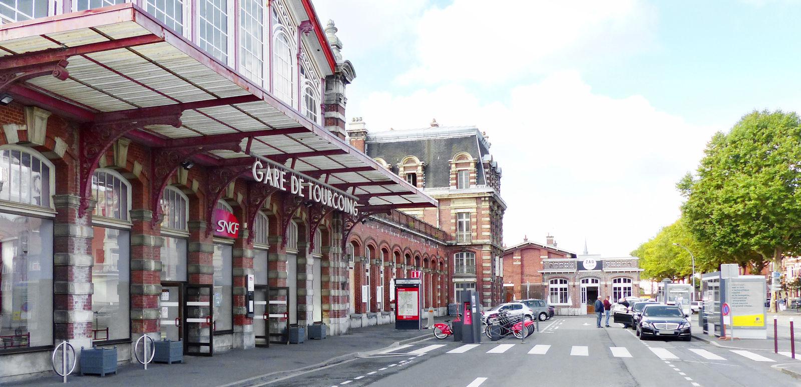 Gare de Tourcoing - Taxis, dépose minute et station vélos de la gare