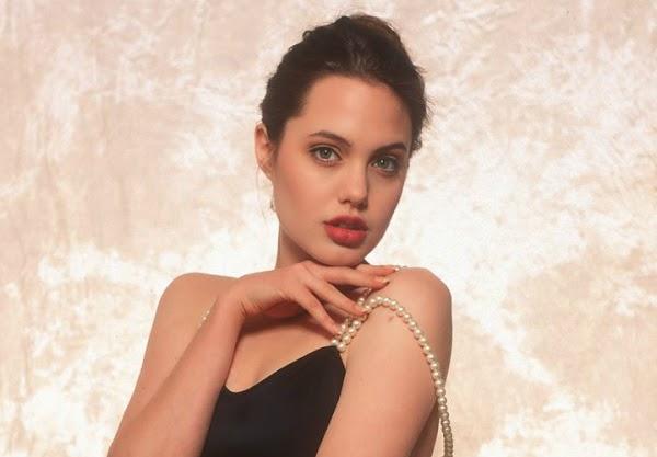 Angelina Jolie, Aged 16