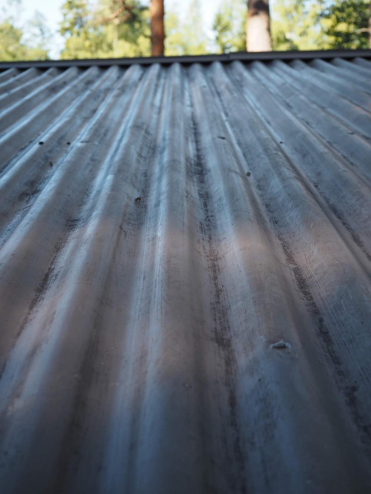 kesämökin katto
