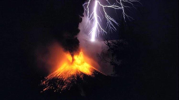 volcanes - ¿Qué ocurriría si todos los volcanes de la Tierra entraran a la vez en erupción?