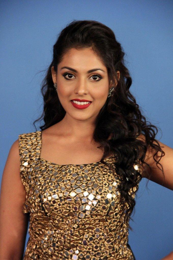 Madhu Shalini Unseen Photoshoot