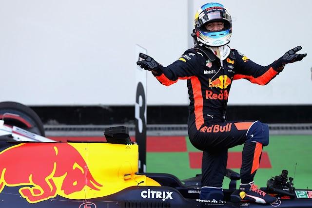 Em corrida maluca, marcada por briga entre Hamilton e Vettel, Ricciardo vence no Azerbaijão