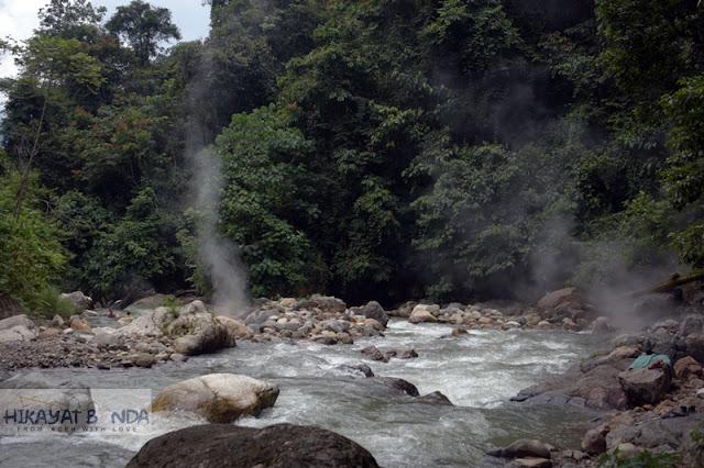 Wisata Aceh Tenggara, Mandi Air Panas Di Tengah Hutan