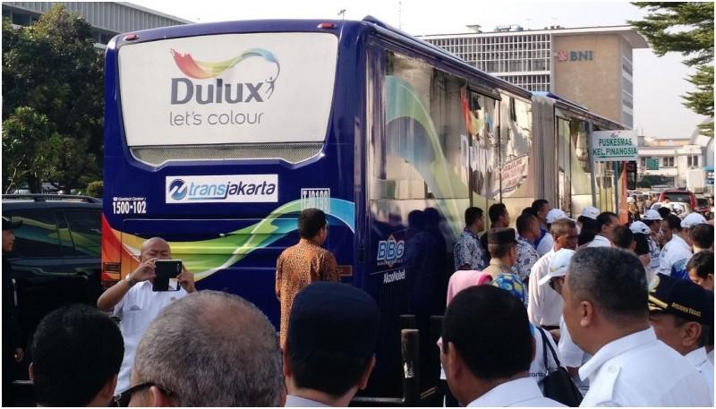 Dulux juga menyumbang 4 bus