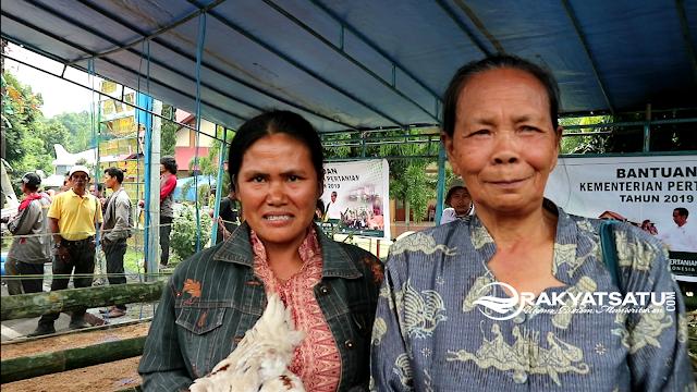 Terharu, Indo' Agustin Menangis Dapat Bantuan dari Menteri Pertanian RI