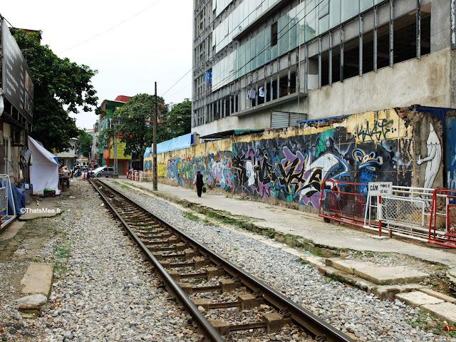 street art hanoi vietnam rails train