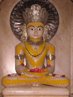 Mahavira Swami, main idol at Kolkata Mahavira Swami temple