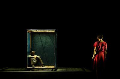 """Obra de Teatro """"Silencis"""" el 14.Marzo 2012 en Calpe – Entrada con 1 kg de alimentación, Mario Schumacher Blog"""