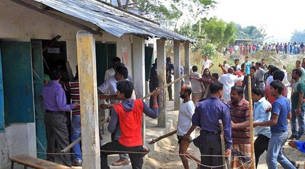 নির্বাচন কেন্দ্র দখল নিয়ে গুলিবিদ্ধ হয়ে ৪ জন নিহত ও ২০ জন আহত