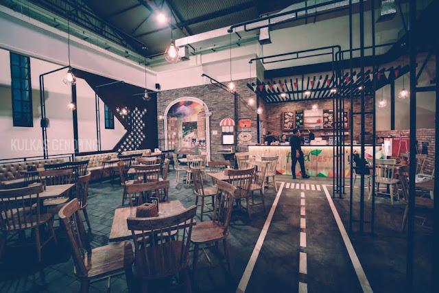 cafe pabrik colomadu