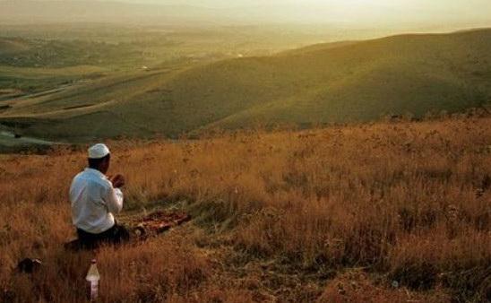 Baca Doa Ini Sebelum Pergi Ke Masjid, Niscaya 70.000 Malaikat Akan Memintakan Ampun Untukmu