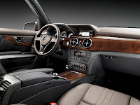 New 2012 Mercedes Benz GLK X204 FaceLift Interior Official Cockpit High Resolution Photo