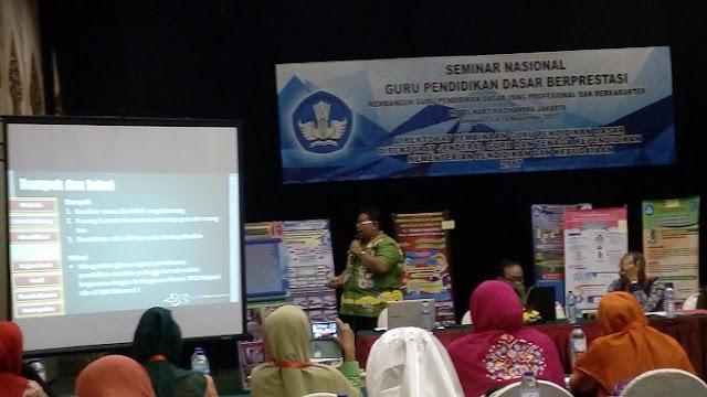 Sesi Presentasi Kegiatan Seminar Nasional 2017