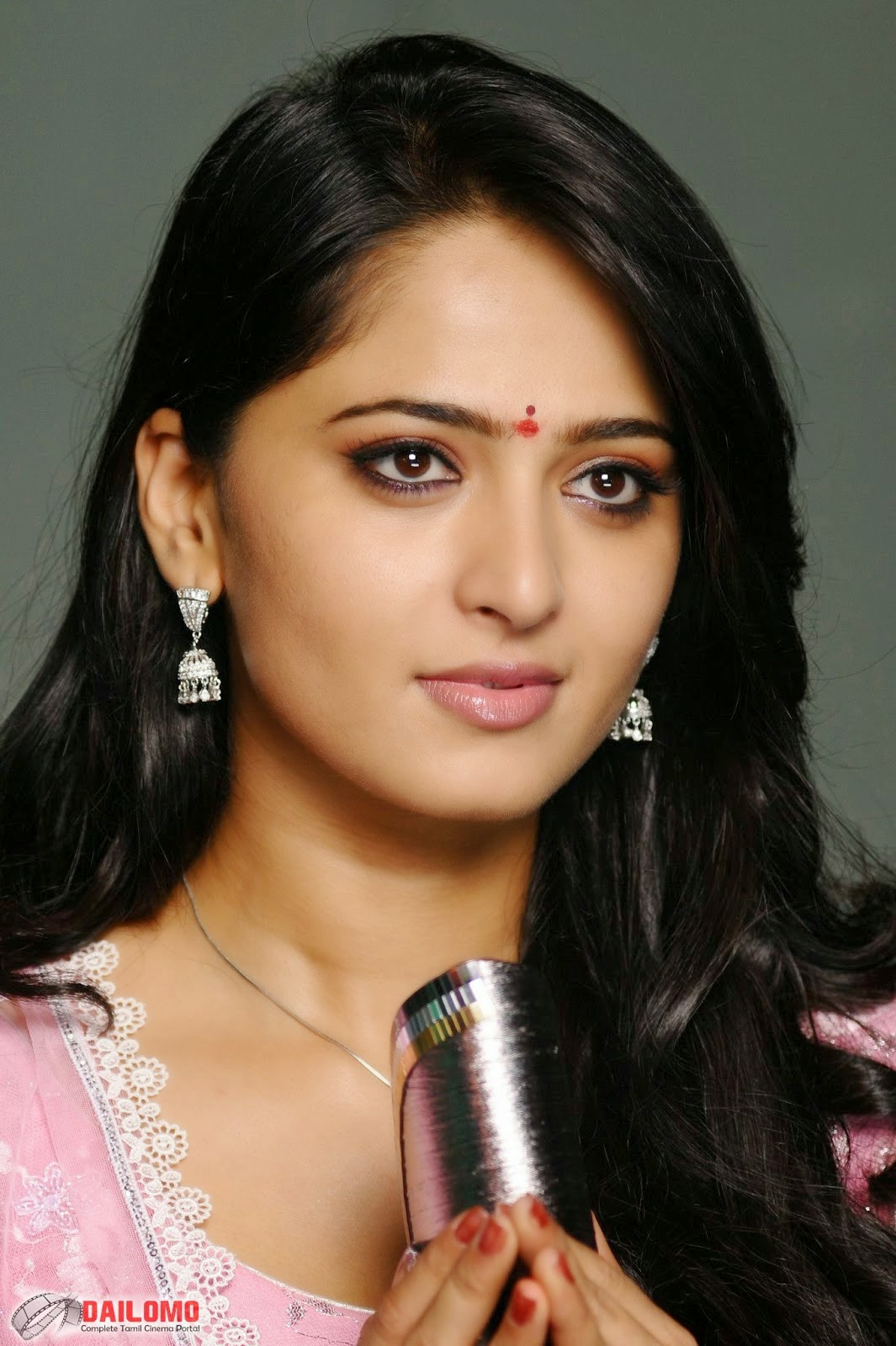 Anushka-shetty-photos-in-rudramadevi | Indian actress hot